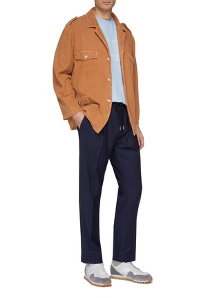 模特儿示范图 - 点击放大 - Martin Asbjørn - 腰带灯心绒夹克