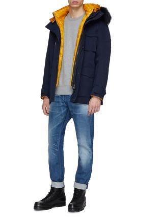 模特儿示范图 - 点击放大 - 49Winters - The Utility Brompton可拆式设计银狐毛边饰拼色羽绒夹克
