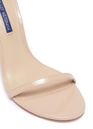 细节 - 点击放大 - Stuart Weitzman - Nudistsong漆皮搭带高跟凉鞋