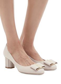 SALVATORE FERRAGAMO Capua花形粗跟蝴蝶结小牛皮高跟鞋
