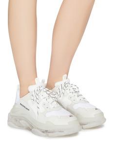 Balenciaga Triple S拼接设计运动鞋