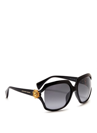 模特示范图 - 点击放大 - Alexander McQueen - Sunray skull stud acetate sunglasses