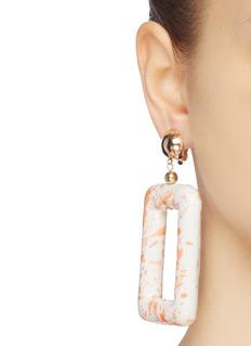 Kenneth Jay Lane 长方形陶瓷吊坠夹耳式耳环