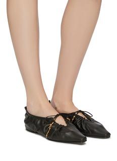 Stella McCartney 褶裥系带合成皮革平底鞋