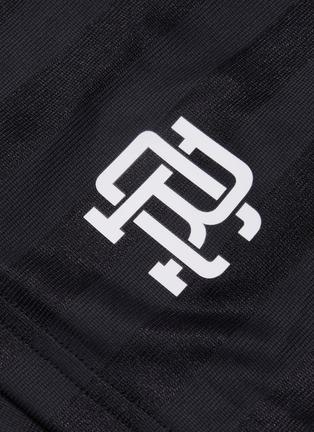 - Reigning Champ - RCFC logo印花暗条纹抽绳短裤
