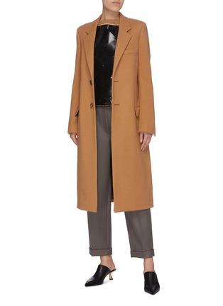 模特儿示范图 - 点击放大 - BOTTEGA VENETA - 纯色羊毛大衣