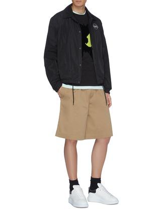 模特儿示范图 - 点击放大 - McQ Alexander McQueen - 植绒怪兽纯棉T恤