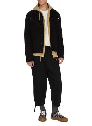 模特儿示范图 - 点击放大 - KURO - 低裆阔腿牛仔裤