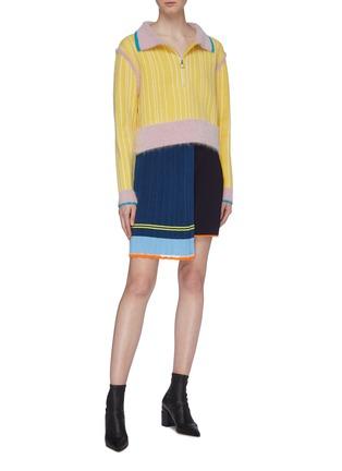 模特儿示范图 - 点击放大 - i-am-chen - 拼色半开襟条纹美丽诺羊毛针织polo衫