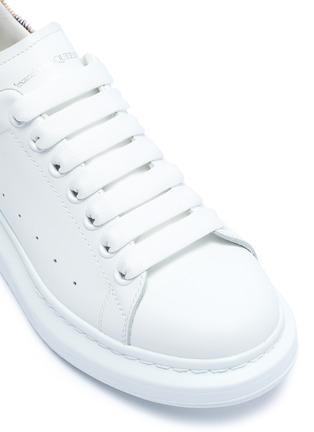 细节 - 点击放大 - Alexander McQueen - Oversized Sneaker豹纹小马毛拼贴小牛皮运动鞋