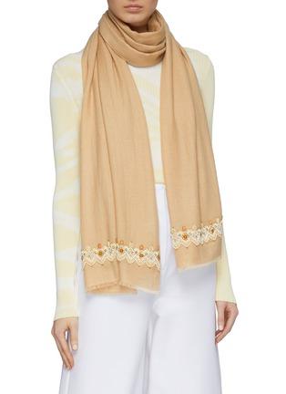 模特儿示范图 - 点击放大 - Janavi - 人造珍珠民族风羊绒混美丽诺羊毛围巾