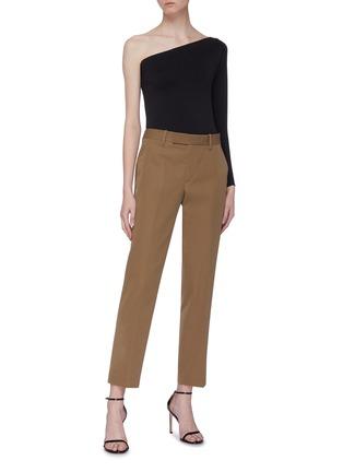 模特儿示范图 - 点击放大 - Helmut Lang - 缎面裤腰羊毛露踝裤