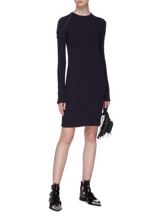 模特儿示范图 - 点击放大 - Helmut Lang - 搭带布饰纯棉连衣裙
