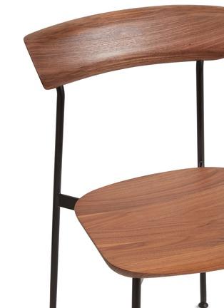 细节 –点击放大 - Stellar Works - x Tom Fereday Crawford核桃木餐椅