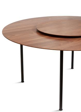 细节 –点击放大 - Stellar Works - x Tom Fereday Crawford核桃木转盘餐桌