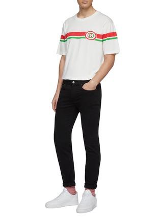 模特儿示范图 - 点击放大 - Gucci - 双G标志拼色条纹纯棉T恤