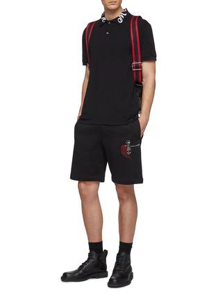 模特儿示范图 - 点击放大 - Alexander McQueen - Naïve Skull骷髅头刺绣纯棉短裤
