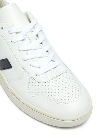 细节 - 点击放大 - VEJA - V-10 V字拼贴真皮运动鞋