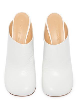细节 - 点击放大 - Bottega Veneta - Bloc方头小牛皮高跟穆勒鞋