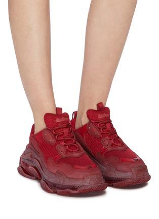 模特儿示范图 - 点击放大 - BALENCIAGA - Triple S拼接设计厚底运动鞋