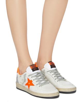 模特儿示范图 - 点击放大 - GOLDEN GOOSE - Ball Star闪粉拼贴英文字五角星运动鞋