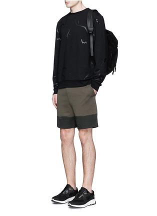 模特儿示范图 - 点击放大 - ALEXANDERWANG - 条状胶印纯棉卫衣