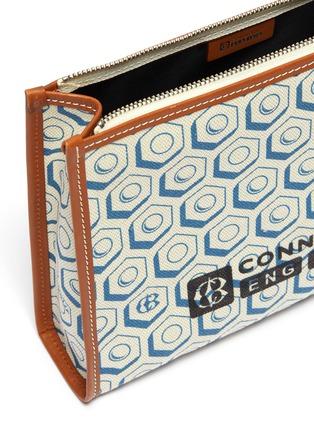 细节 - 点击放大 - CONNOLLY - 拼接设计几何印花帆布手拿包