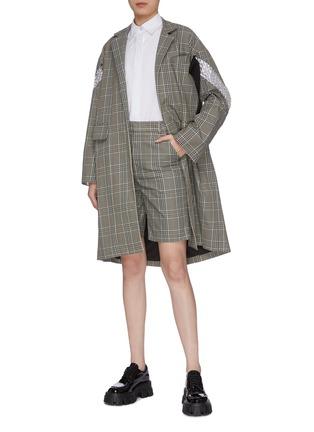 模特儿示范图 - 点击放大 - MÄRCHEN - 格纹短裤