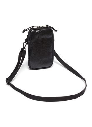 细节 - 点击放大 - Balenciaga - Explorer品牌名称小羊皮斜挎包
