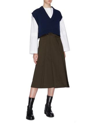 模特儿示范图 - 点击放大 - CÉDRIC CHARLIER - 盖袖短款初剪羊毛针织衫