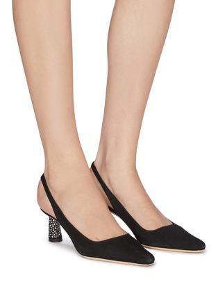 模特儿示范图 - 点击放大 - BY FAR - DIANA仿水晶点缀粗跟绒面真皮露跟鞋
