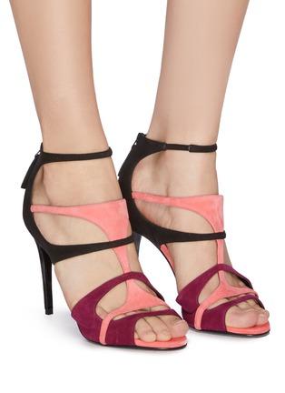 模特儿示范图 - 点击放大 - Pierre Hardy - Jerry拼色设计镂空绒面真皮高跟鞋
