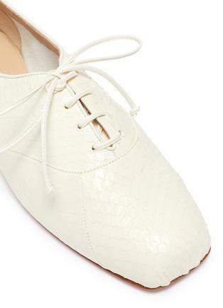 细节 - 点击放大 - GABRIELA HEARST - Maya蛇纹真皮系带平底鞋