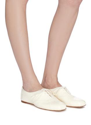模特儿示范图 - 点击放大 - GABRIELA HEARST - Maya蛇纹真皮系带平底鞋