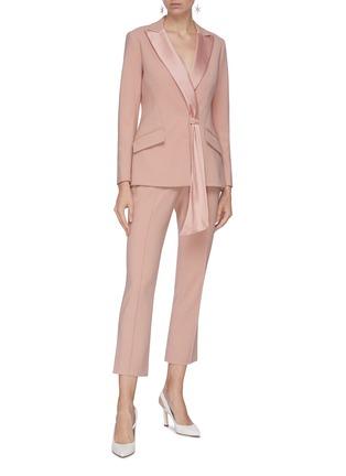 模特儿示范图 - 点击放大 - Jonathan Simkhai - 缎面枪驳领垂坠布饰拼接混羊毛西服外套