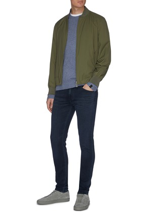 模特儿示范图 - 点击放大 - J Brand - 水洗修身混棉牛仔裤