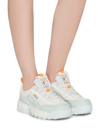 模特儿示范图 - 点击放大 - FILA - Disruptor II Lite拼接设计厚底运动鞋