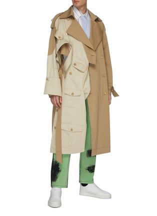 模特儿示范图 - 点击放大 - Feng Chen Wang - 仿两件式设计拼色条纹混棉衬衫