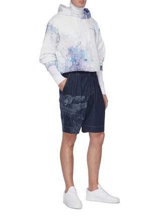 模特儿示范图 - 点击放大 - FENG CHEN WANG - 中国风图案纯棉牛仔短裤