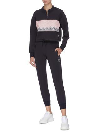 模特儿示范图 - 点击放大 - FILA X 3.1 PHILLIP LIM - LOGO休闲裤