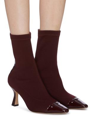模特儿示范图 - 点击放大 - FABIO RUSCONI - Cairo漆皮拼接高跟针织袜靴