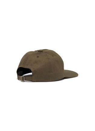 模特儿示范图 - 点击放大 - VALENTINO - VALENTINO GARAVANI X UNDERCOVER玫瑰人像图案纯棉棒球帽