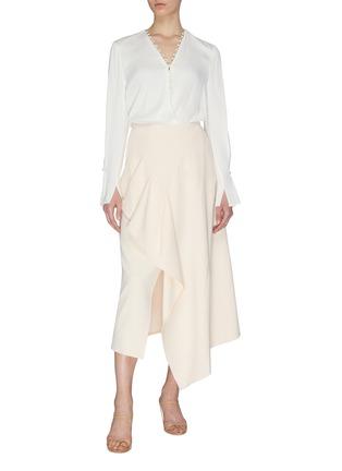 模特儿示范图 - 点击放大 - ROLAND MOURET - 垂坠布饰褶裥不规则下摆开衩半裙