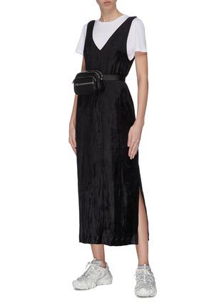 模特儿示范图 - 点击放大 - NINETY PERCENT - V领露背侧开衩无袖连衣裙