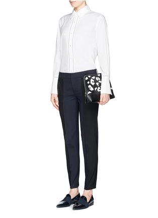 模特儿示范图 - 点击放大 - VINCE - Ladder stitch trim poplin shirt
