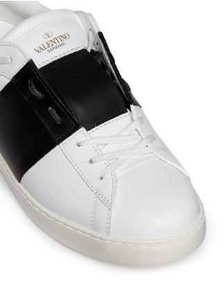 细节 - 点击放大 - VALENTINO - 铆钉拼色真皮球鞋