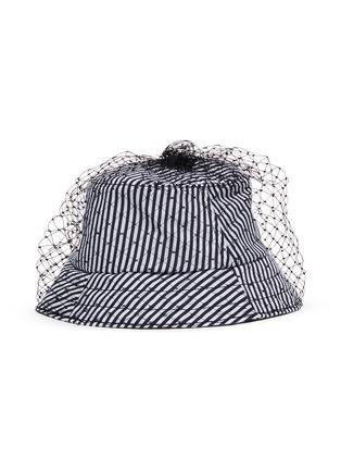 模特儿示范图 - 点击放大 - BERNSTOCK SPEIRS - 网纱条纹纯棉渔夫帽