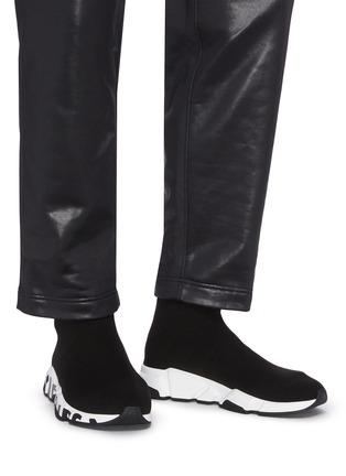 模特儿示范图 - 点击放大 - BALENCIAGA - SPEED品牌名称拼色鞋底袜靴式针织运动鞋