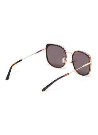 模特儿示范图 - 点击放大 - STEPHANE + CHRISTIAN - VENI玳瑁纹几何镜框金属拼接板材太阳眼镜