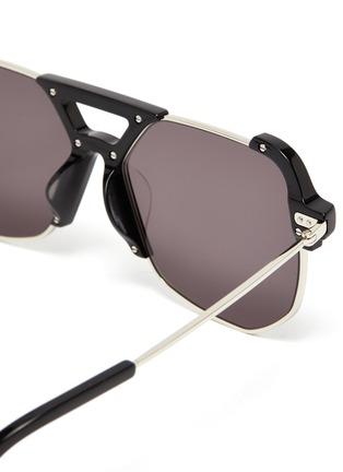 细节 - 点击放大 - STEPHANE + CHRISTIAN - D形镜框板材拼接金属太阳眼镜